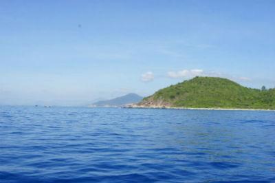 Vì sao nước biển có màu xanh ?