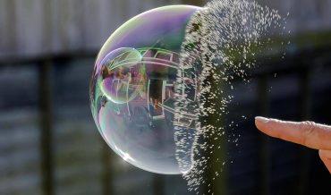 Bong bóng tài sản là gì? Hậu quả của bong bóng tài sản